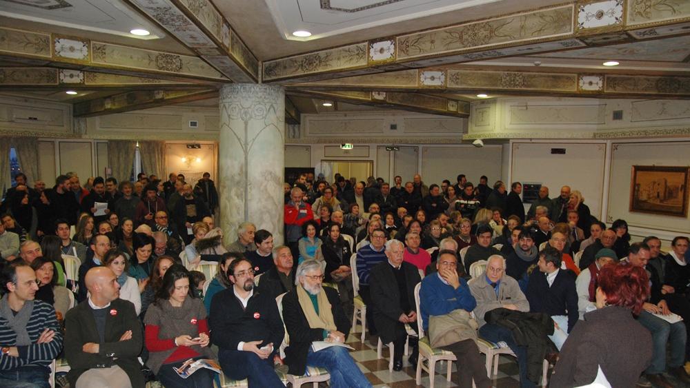 """Bagno di folla alla presentazione del """"Vincere per Cambiare tour"""""""