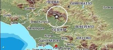 Photo of Terremoto: forte scossa in Campania e Molise  Paura a Napoli, la gente fugge in strada