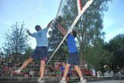 Torneo di pallavolo in villa, in scena le finali
