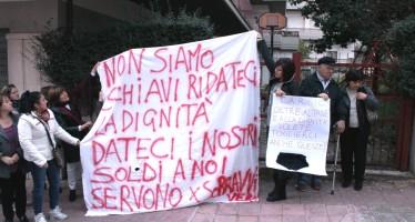 Stipendi congelati al Carsic, lavoratori di nuovo in agitazione