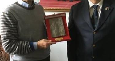 """Vincenzo Cotugno riceve il premio internazionale """"Capitolino d'oro 2016"""""""