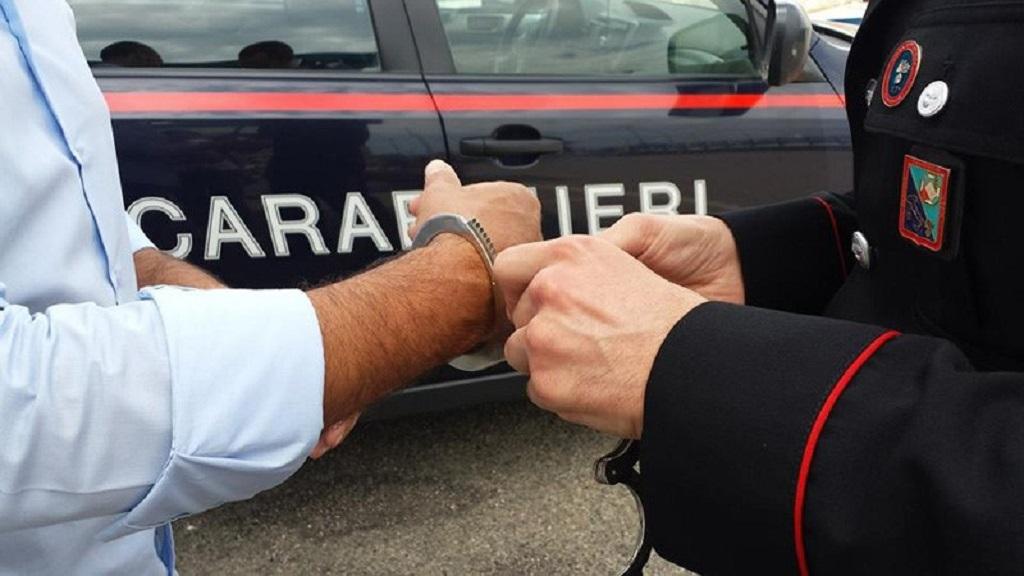 Photo of Riciclaggio di assegni rubati: pregiudicato finisce in carcere