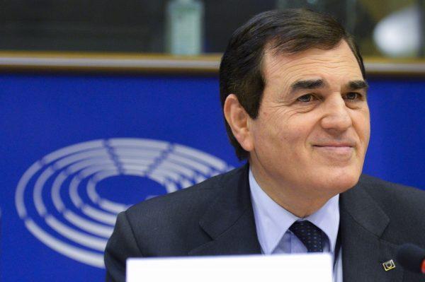 Photo of Aldo Patriciello: «L'Europa ha imboccato la strada giusta, da noi invece si pensa solo a cosa farò io…» | PrimoPiano Molise