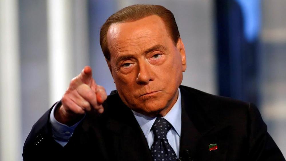 Photo of Berlusconi copia il reddito di cittadinanza… dopo averlo ostacolato per anni