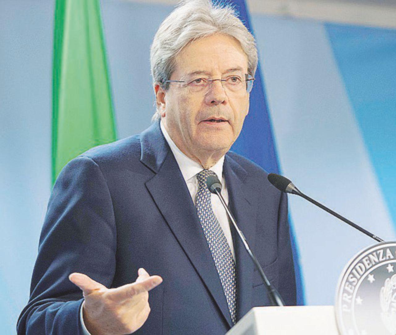 Photo of Non solo Renzi, il governo salva il soldato Boschi