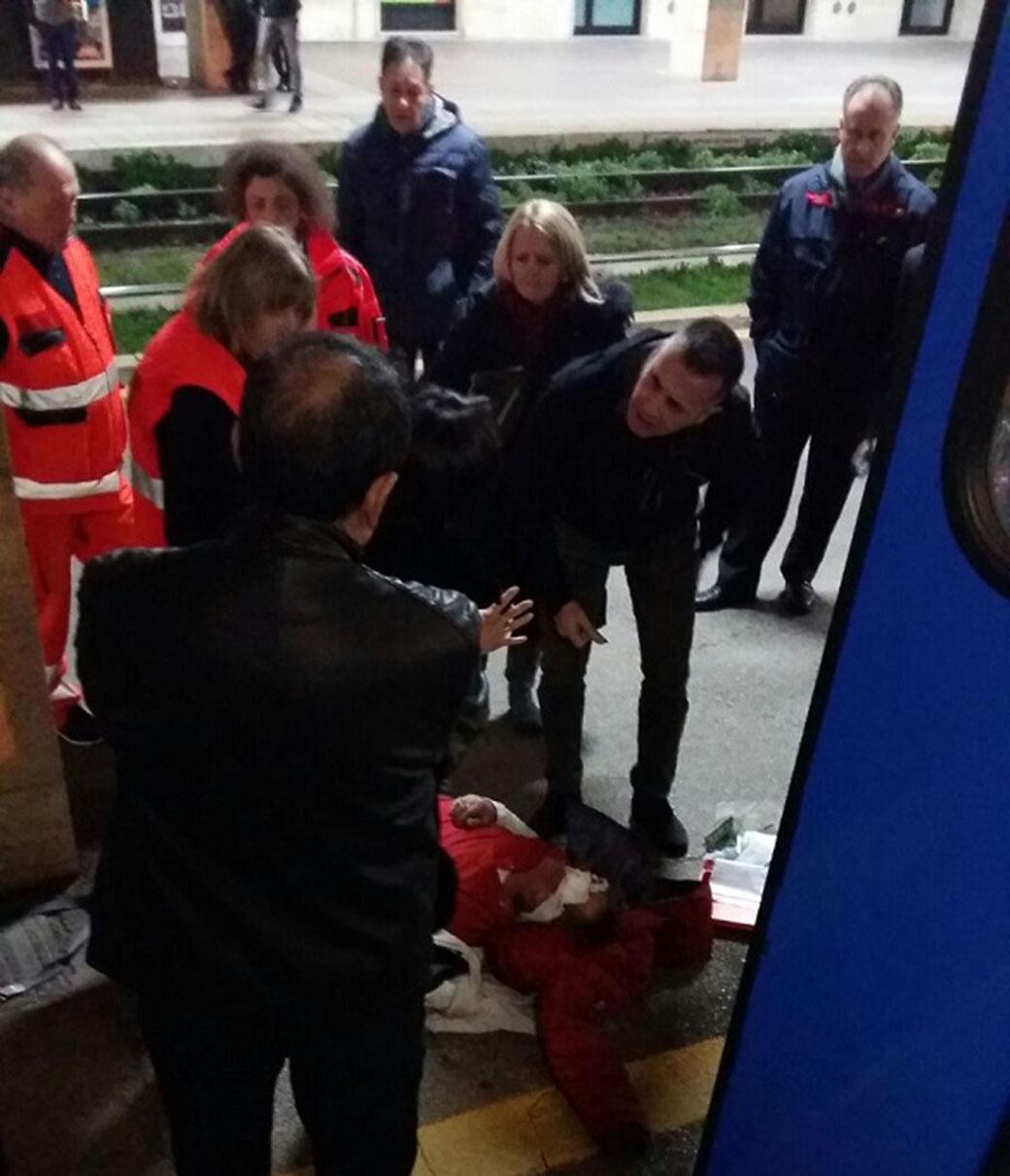 Photo of Paura sul Campobasso-Roma: ubriaco blocca il treno, parapiglia a bordo