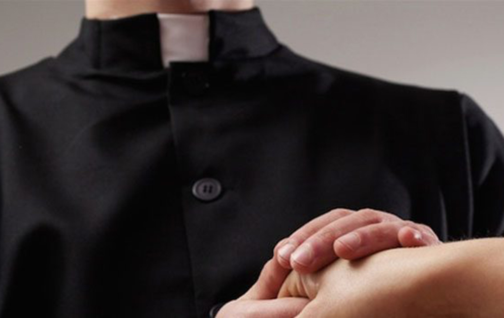 Photo of Abusi nella diocesi pentra, arriva l'ultimatum alla Curia