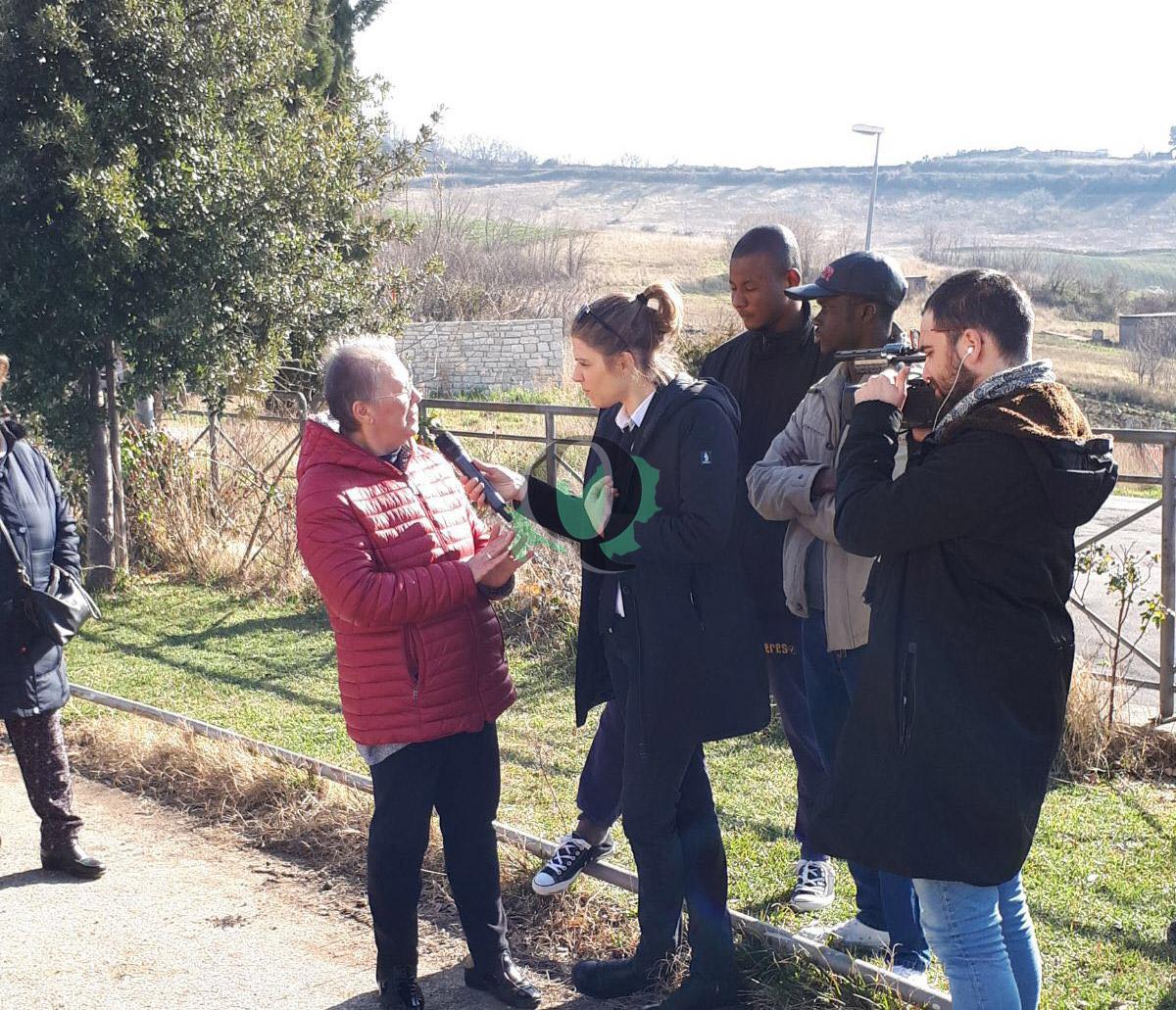 Photo of Caso migranti. 'Le Iene' a Ripabottoni per sentire il parere dei residenti