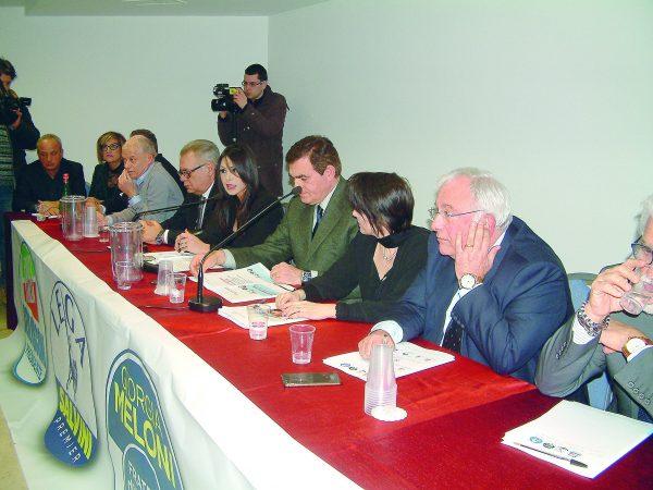 Photo of I vertici del centrodestra tirano dritto: ora le politiche «Dialogo, non ultimatum» | PrimoPiano Molise