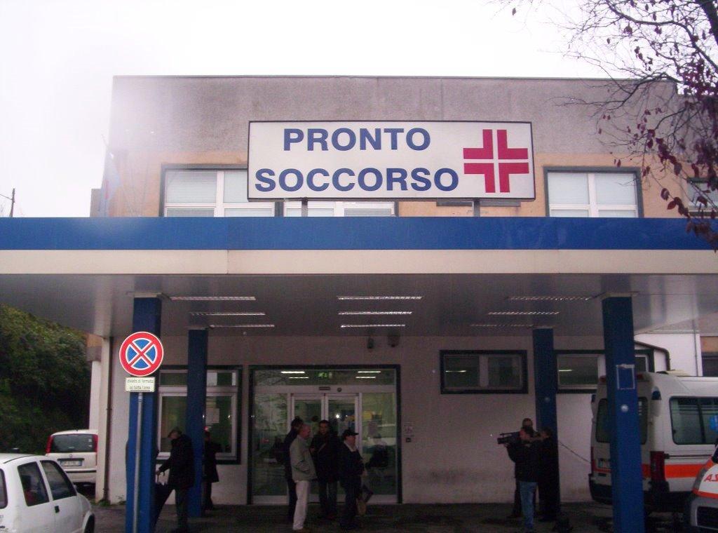 Photo of Isernia, Pronto Soccorso al collasso: 30 pazienti sulle barelle per mancanza di posti letto