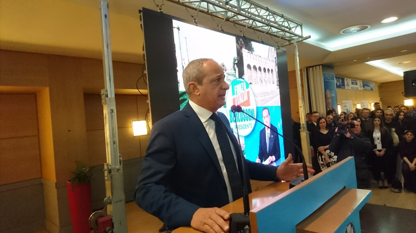 Photo of Mario Pietracupa apre col botto la campagna elettorale