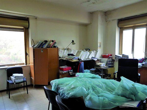 Photo of Sesto Campano, nel Comune ci piove: documenti coperti con un telo di plastica | PrimoPiano Molise