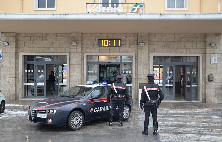 Photo of Isernia: Controlli dei Carabinieri presso la Stazione, due giovani denunciati per detenzione e spaccio di stupefacenti
