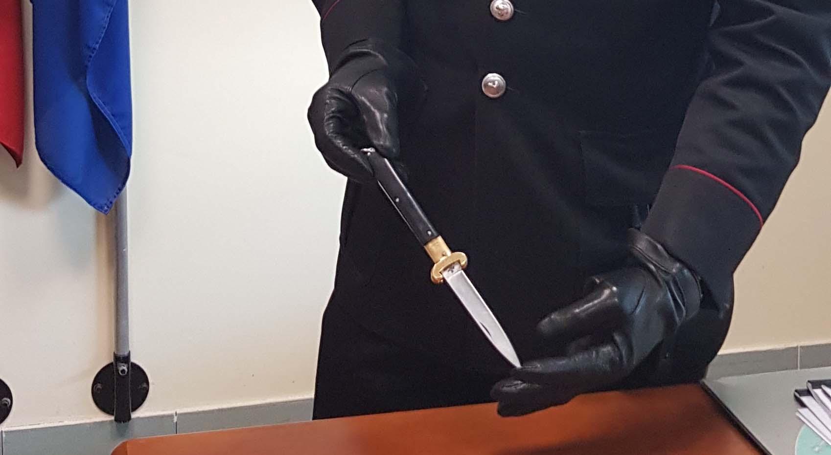 Photo of In un locale con il coltello in tasca, denunciato un pregiudicato