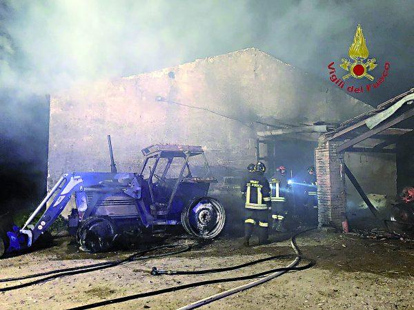 Photo of Pozzilli, fienile distrutto dalle fiamme: agricoltore rimane ustionato | PrimoPiano Molise