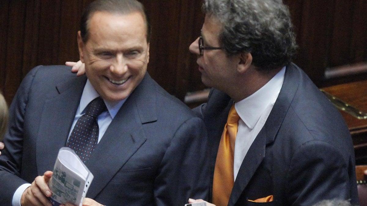 """Photo of Vitalizi, Miccichè replica ai 5 stelle: """"Senza sarei stato costretto a chiedere l'elemosina"""""""